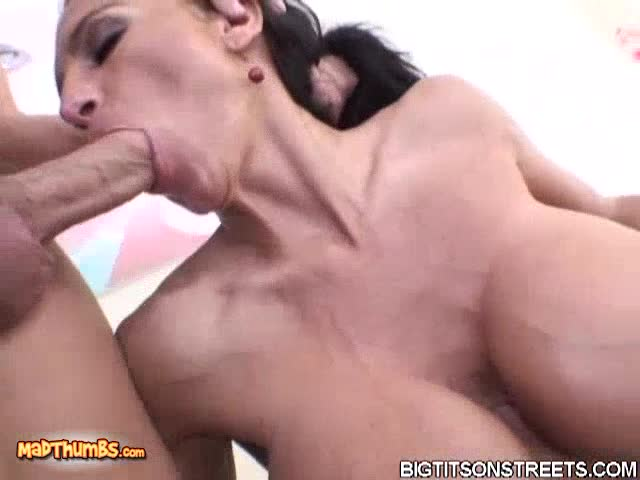 Lisa lips sucking dick