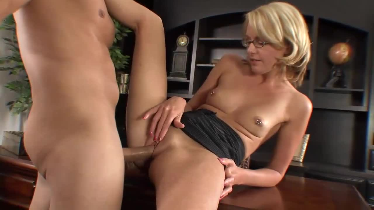 boss fucks secretary