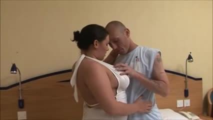 swollen woman vagina cumming