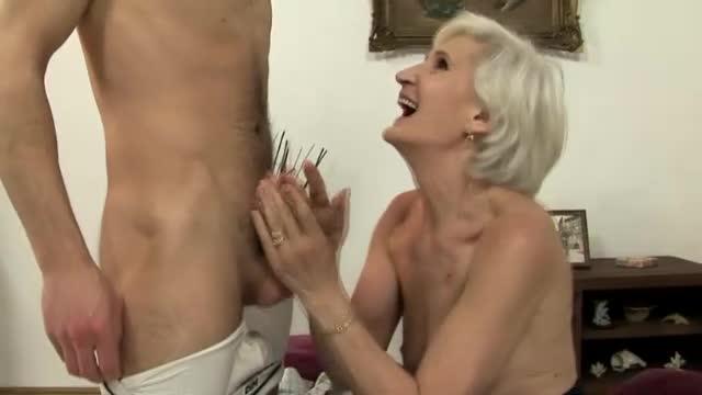Head granny gives