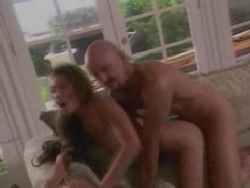 Manso Filmando A Esposa Trepando Outro Bunker Porn Tube