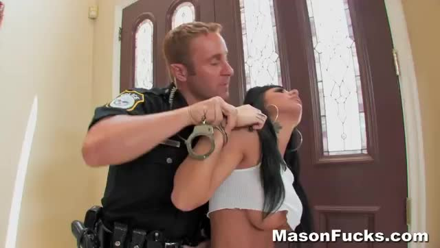 Wife gets fucked by cop