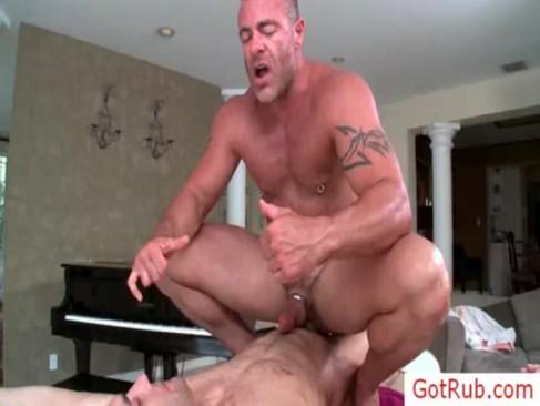 Порно геев у массажиста