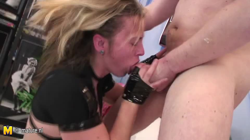 Female cop gets fucked xxx petty theft