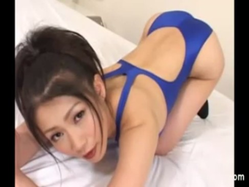 mature asian squeezes her swollen pussy. mature asian in bathing suit ...