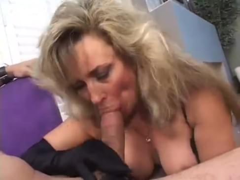 mature cougars blowjobs