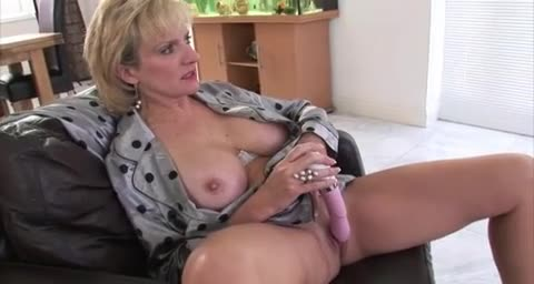 Cute blonde wife nude sexy