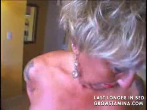Mature granny is very horny part1