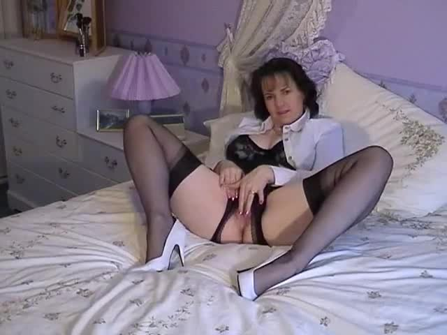 Mature nylon pussy