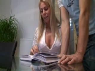 Kinky mature milf meire sweaty pussy