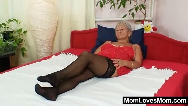 Porno Oma Com