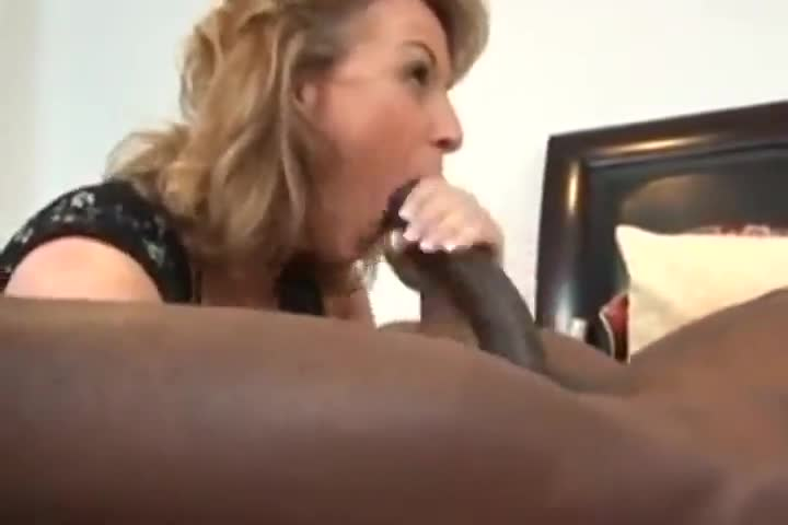 Mature wife fucking big dicks