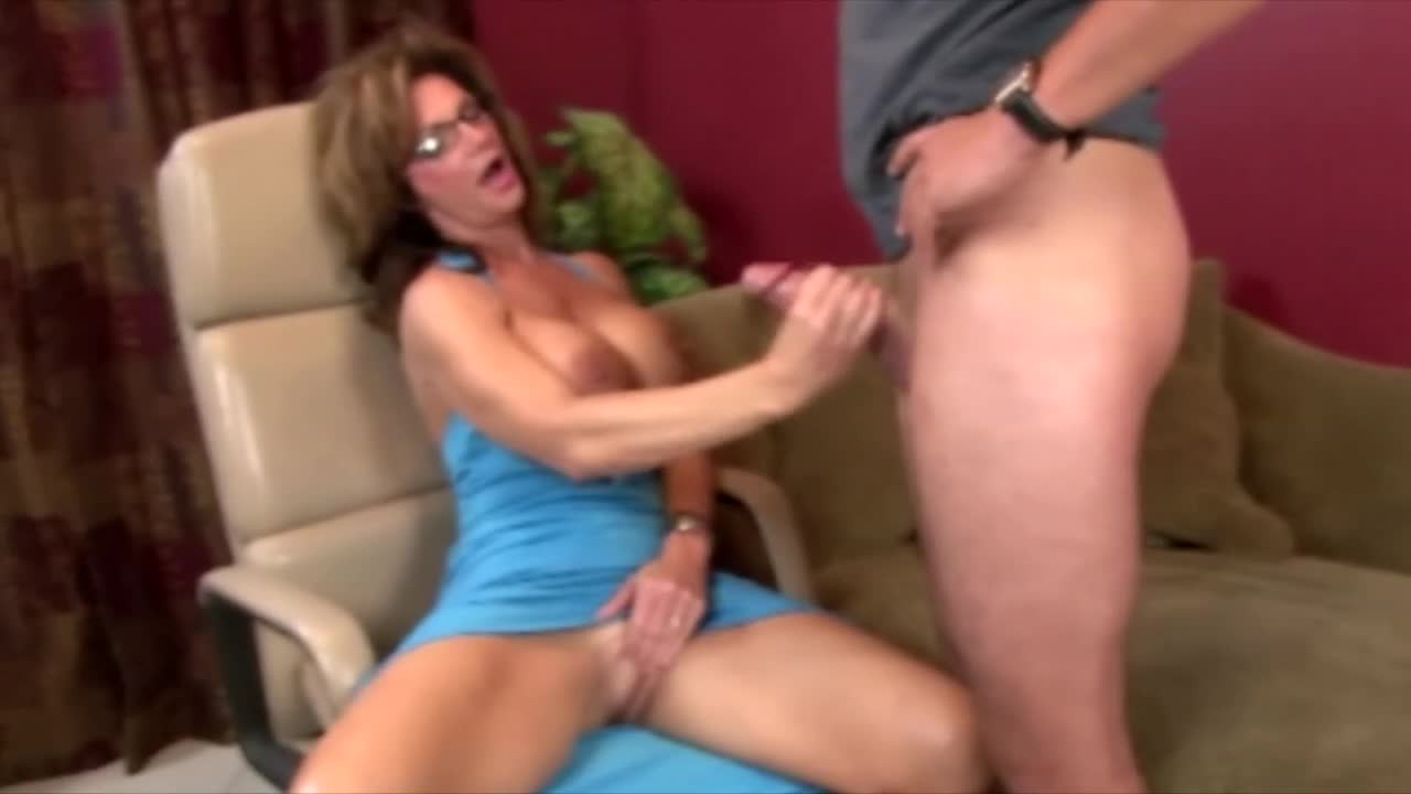 Does not young tits giving handjob
