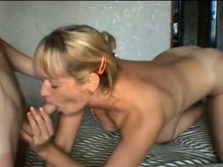 Mature lady gives blowjob