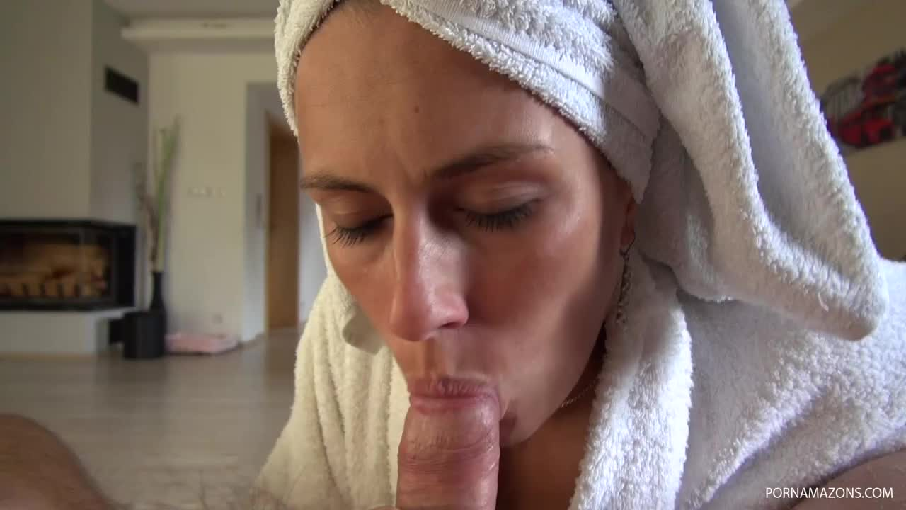 video cnwd mea melone shower blowjob