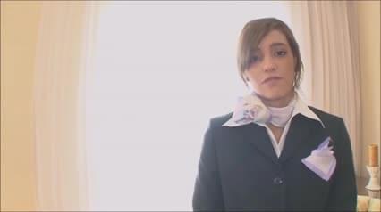 Melanie Rios neukt een vertaler