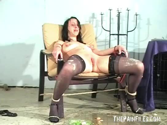 Messy female humiliation and extreme domination-26523