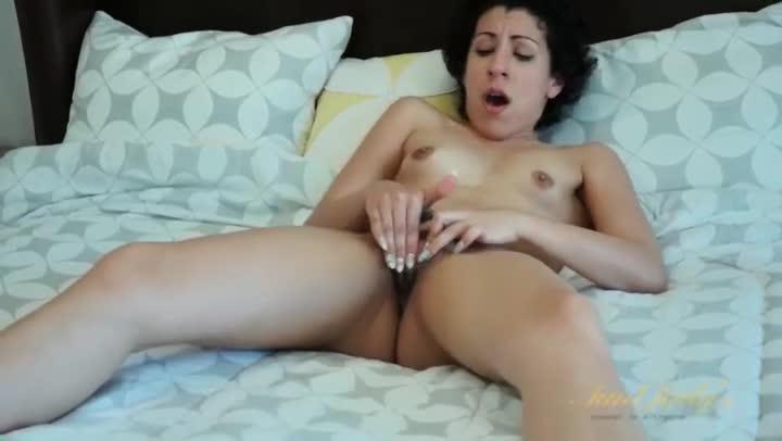 Milf masturbating to porn