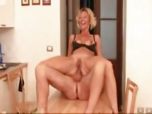 Milf anal in kitchen