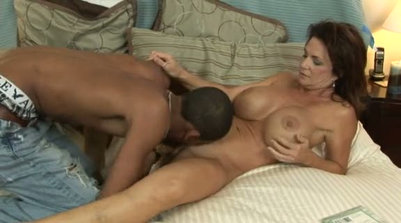 Interracial milf porno