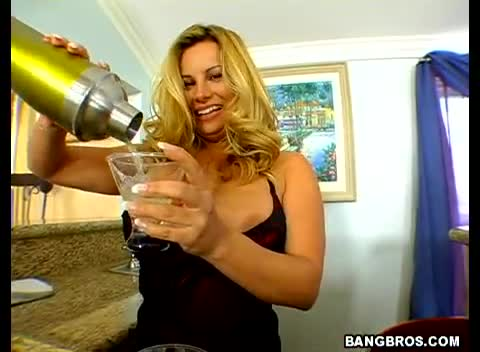 Milf Soup Blowjob From The Hot Bartender 119