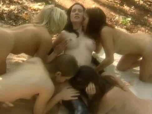 lesbian witches porn jpg 853x1280