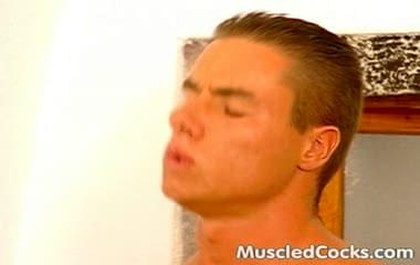 Super muscle stud gets fucked in the stinker