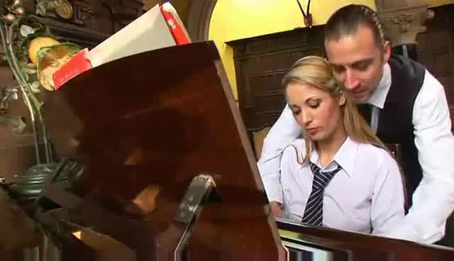 Blonde babe fucks the piano teacher — photo 7