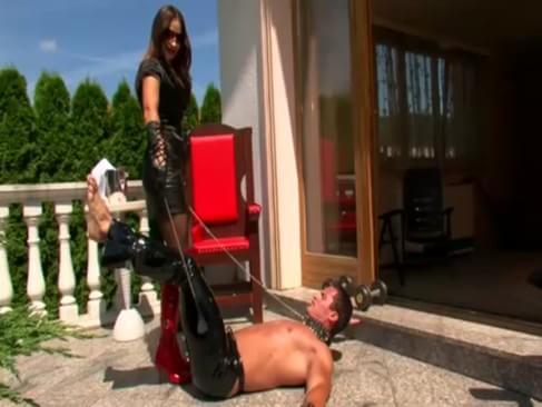 Nude threesome video wife