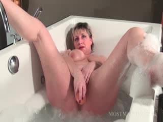 Nasty mature solo in bathtub