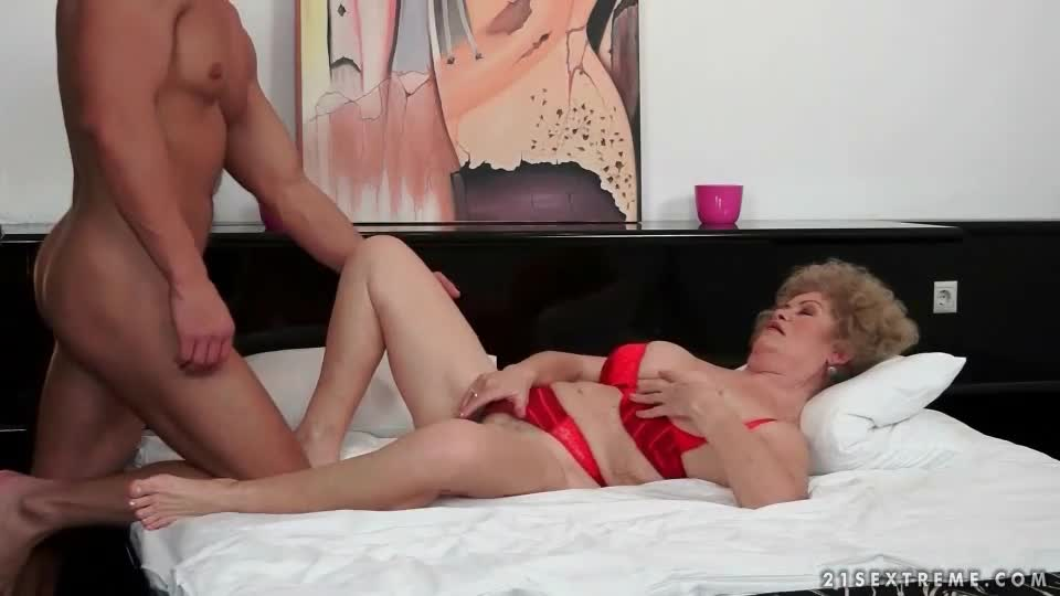 Nice mature sex video