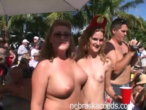 porn pool naked babes tubes