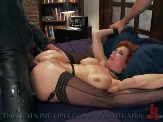 Sexy hot latina milf