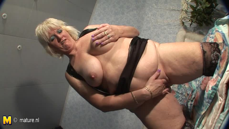 Squirting Saggy Tits 59