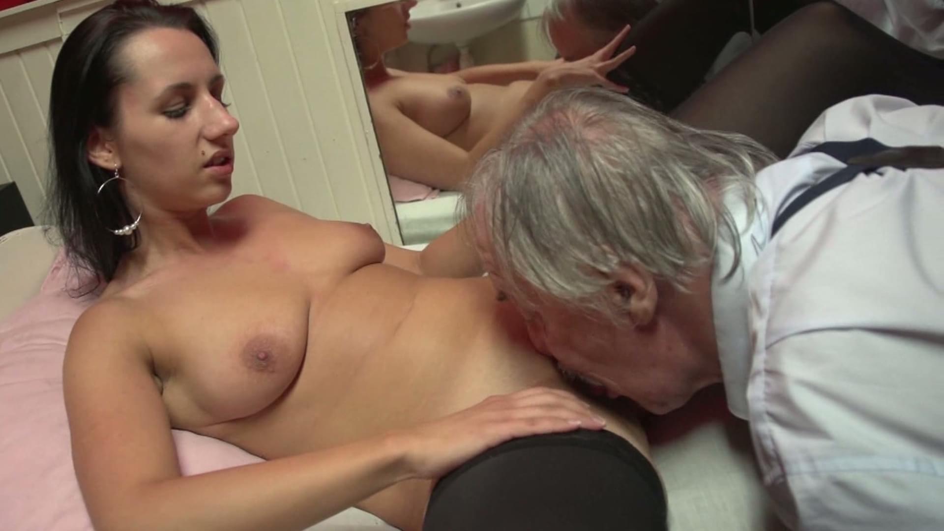 Старик и проститутка порно онлайн 22 фотография