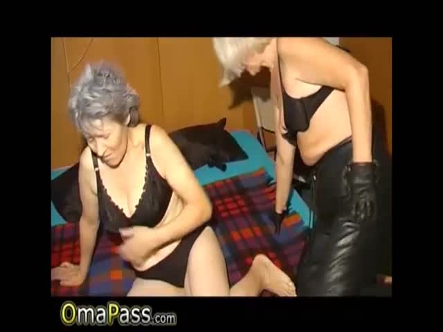 Omapass amateur mature threesome sex and toying