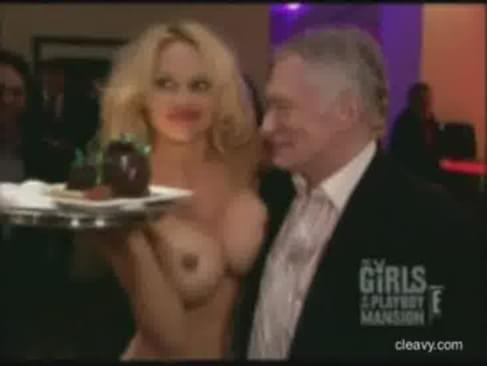 Pamela anderson fingering herself