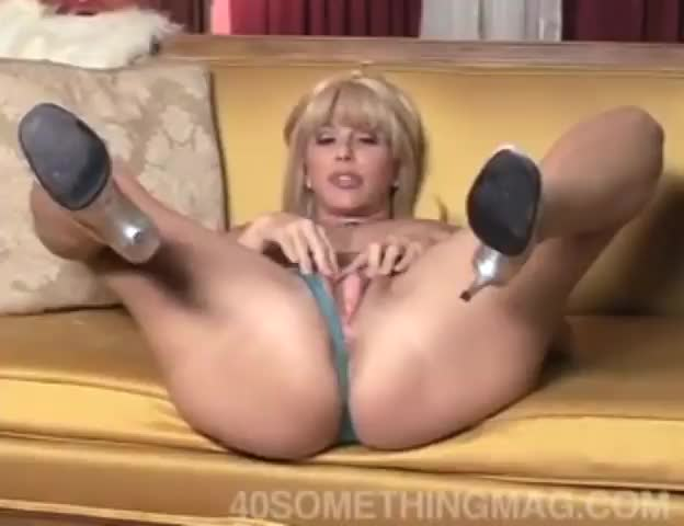 Video nude mom