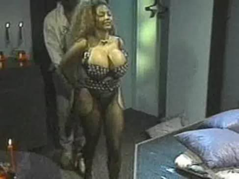 Bikini paxton sara katharine mcphee