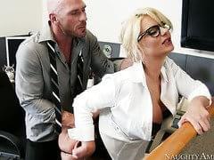 Johnny Sins Phoenix Marie In Naughty Office