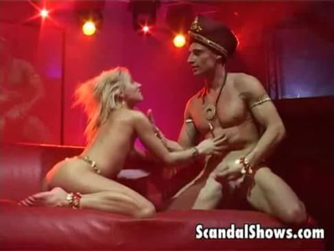 Asian Stripper Gets Nude On The Stage - Slutloadcom