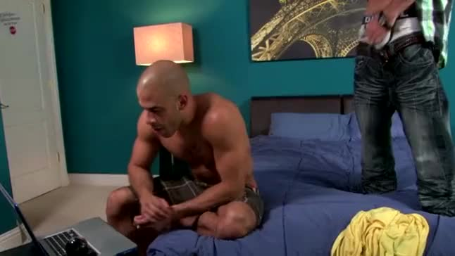 Pornstar Austin Wilde Sucks Hunk