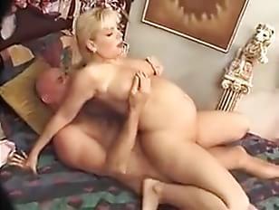 Pregnant milf fuck
