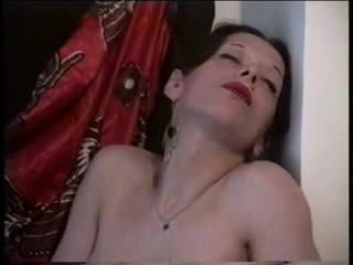 Pregnant milf is horny by snahbrandy