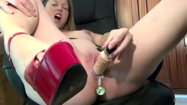 pregnant nude masturbation