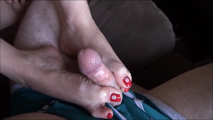 Taste what pretty feet footjob