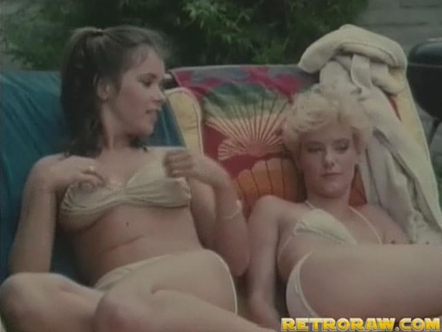 Kendra wilkinson shaved pussy