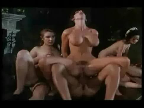 slutty and attractive shemale with nice body gets a blowjob