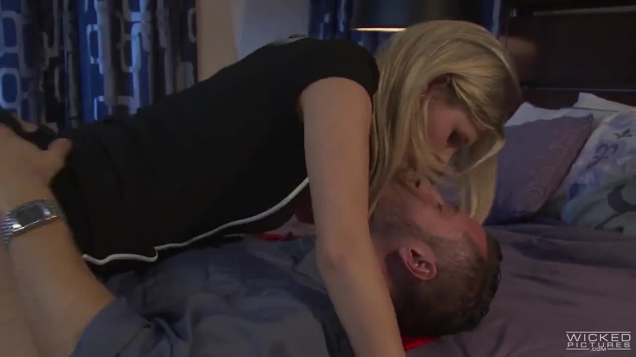 Scarlett Johansson leaked blowjob sex tape - Pornhubcom