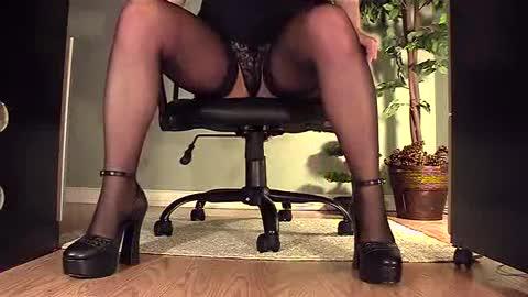 Boss masturbate computer secretary
